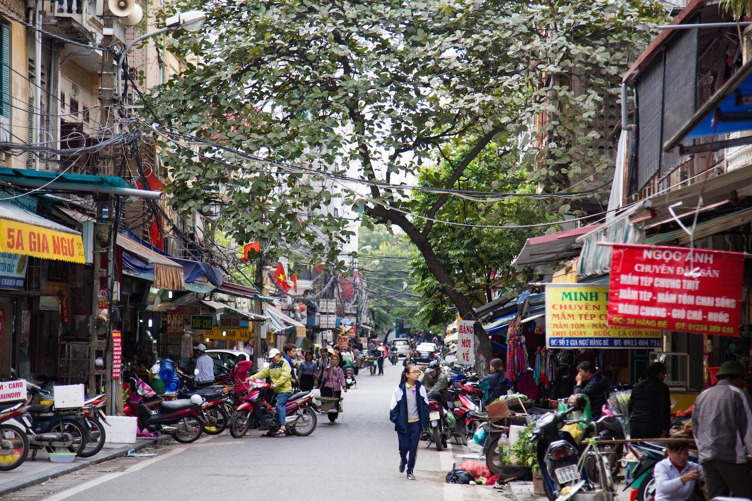 Hanoi-moments of yugen-old quarter neighborhood