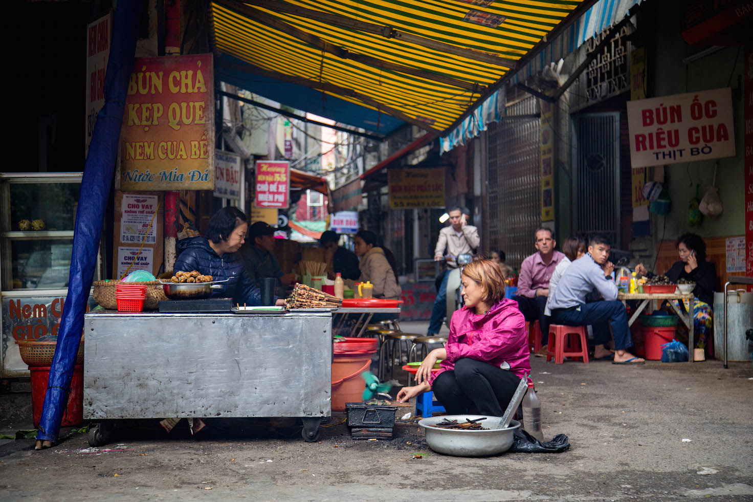 Hanoi-moments of yugen-Old Quarter Streets