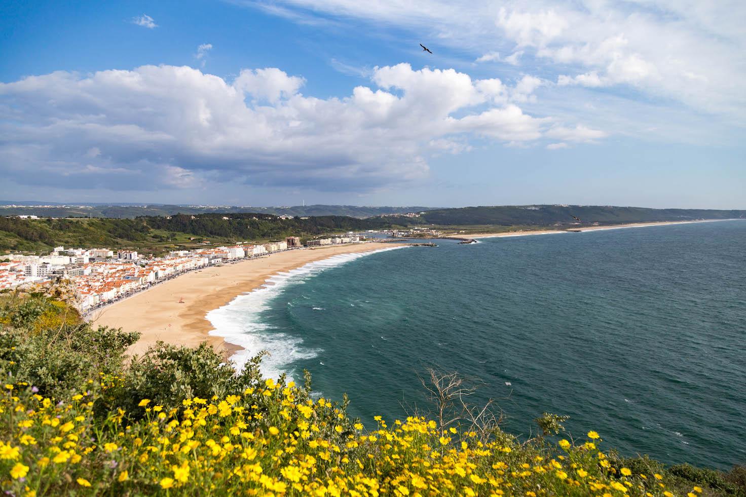 nazare-seven-skirts-portugal-moments-of-yugen-travel-blog_02