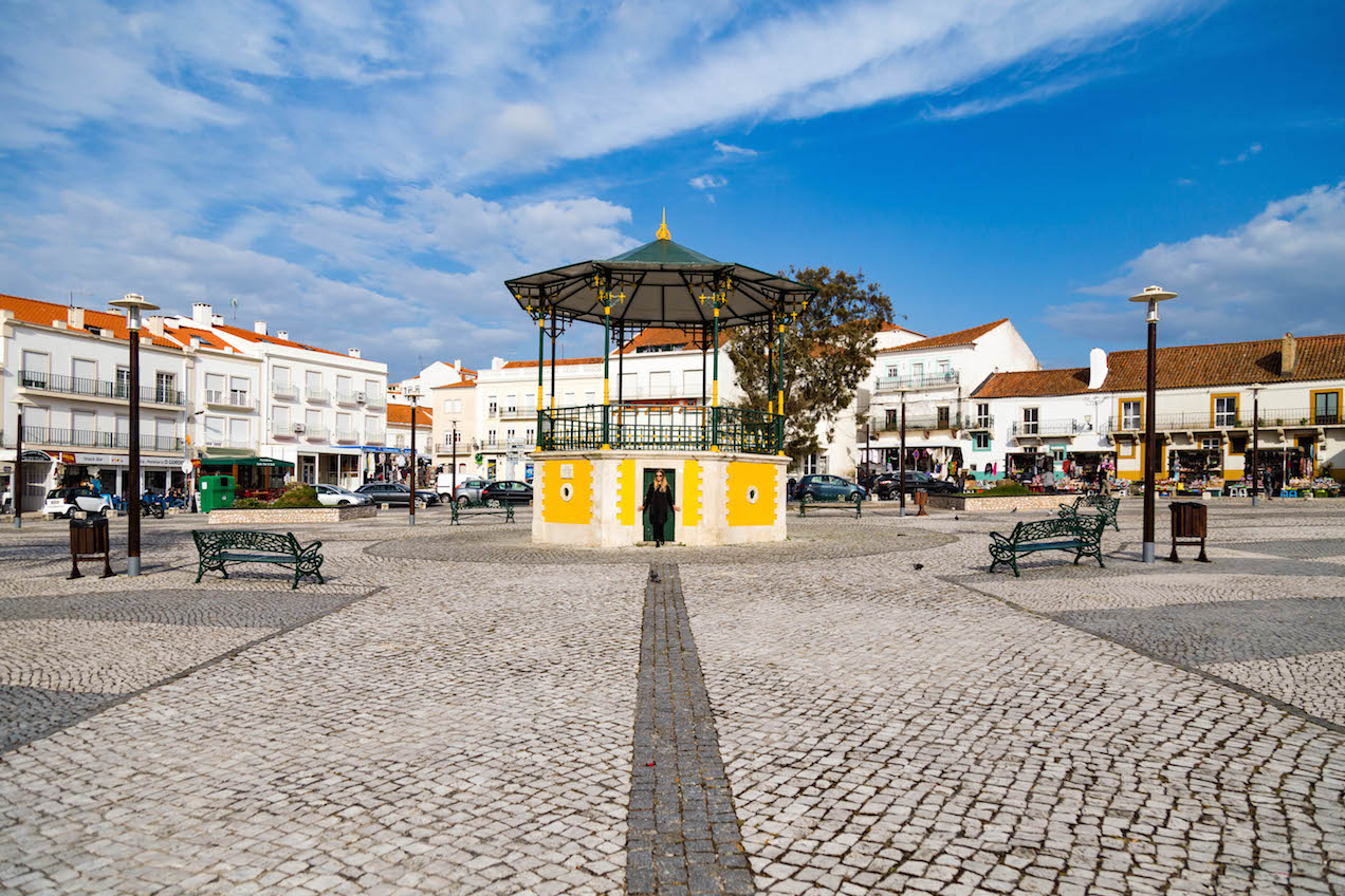 nazare-seven-skirts-portugal-moments-of-yugen-travel-blog_05